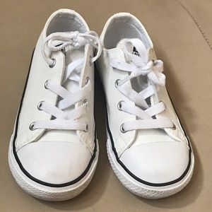 Toddler White Unisex Converse All Star Shoes, 9